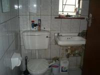Bathroom 1 - 4 square meters of property in Bosmont