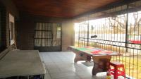 Patio - 22 square meters of property in Bosmont