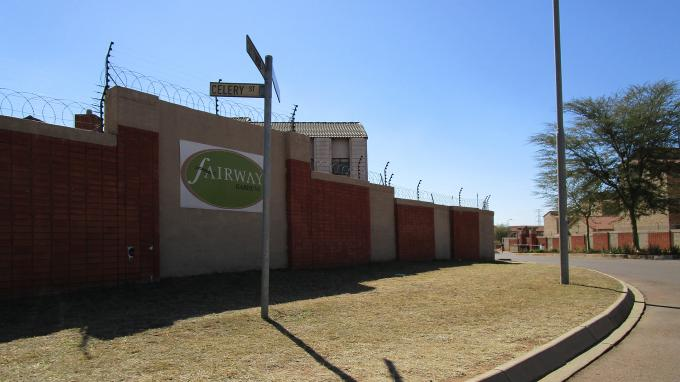 Standard Bank EasySell 2 Bedroom Sectional Title for Sale For Sale in The Orchards - MR163028
