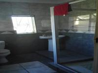 Main Bathroom - 5 square meters of property in Arcon Park
