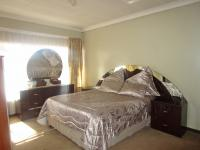 Main Bedroom - 19 square meters of property in Arcon Park