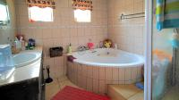 Bathroom 1 - 7 square meters of property in East Lynne