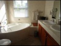 Main Bathroom - 6 square meters of property in Craigavon A.H.