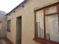 Front View of property in Dhlamini
