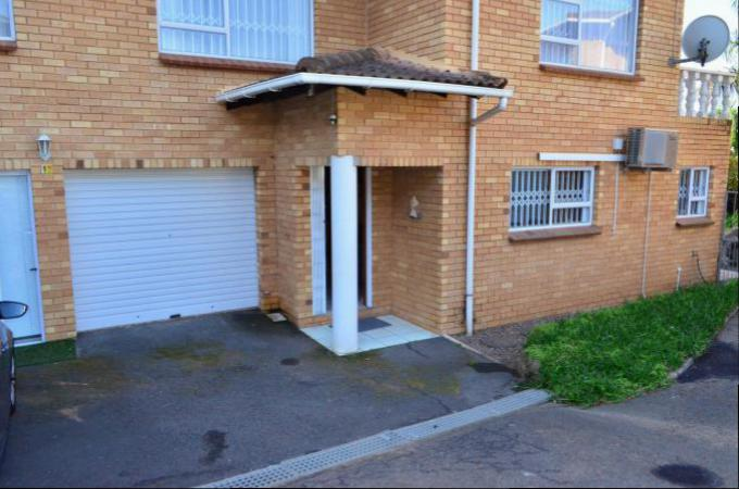 2 Bedroom Sectional Title for Sale For Sale in Amanzimtoti  - Private Sale - MR163173