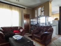 Lounges - 27 square meters of property in Monavoni