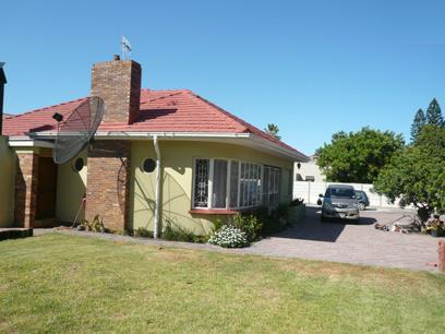 4 Bedroom House for Sale For Sale in Bellville - Home Sell - MR16318