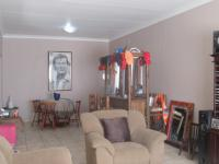 Lounges - 24 square meters of property in Brakpan
