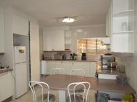 Kitchen - 19 square meters of property in Florida Glen