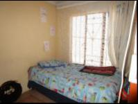 Bed Room 1 - 9 square meters of property in Naturena
