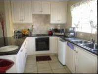 Kitchen - 15 square meters of property in Randburg