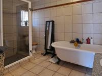 Main Bathroom - 9 square meters of property in Montana Tuine