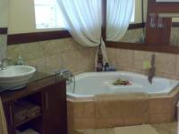 Main Bathroom - 15 square meters of property in Vereeniging