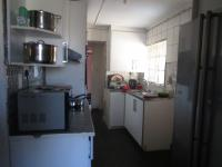 Kitchen - 9 square meters of property in Krugersdorp