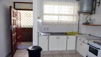 Kitchen - 8 square meters of property in Amanzimtoti