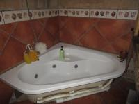 Main Bathroom - 4 square meters of property in Vereeniging