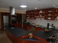 Kitchen - 31 square meters of property in Yzerfontein