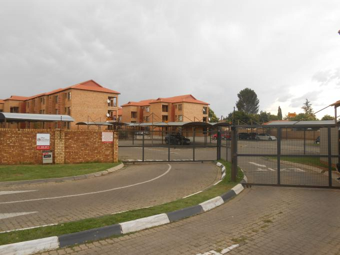Standard Bank EasySell 2 Bedroom Sectional Title for Sale For Sale in Klippoortje North - MR164262