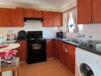 Kitchen - 12 square meters of property in Die Hoewes