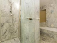 Bathroom 1 - 11 square meters of property in Victoria