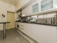 Kitchen - 20 square meters of property in Victoria