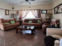 Lounges - 25 square meters of property in Rustenburg