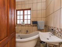 Bathroom 1 - 2 square meters of property in Willowbrook