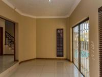Lounges - 37 square meters of property in Willowbrook