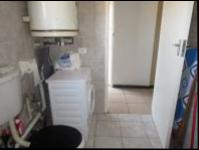 Bathroom 1 - 7 square meters of property in Horison