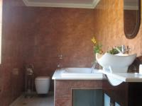 Bathroom 1 - 26 square meters of property in Linbro Park A.H.