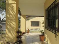 Patio - 115 square meters of property in Linbro Park A.H.