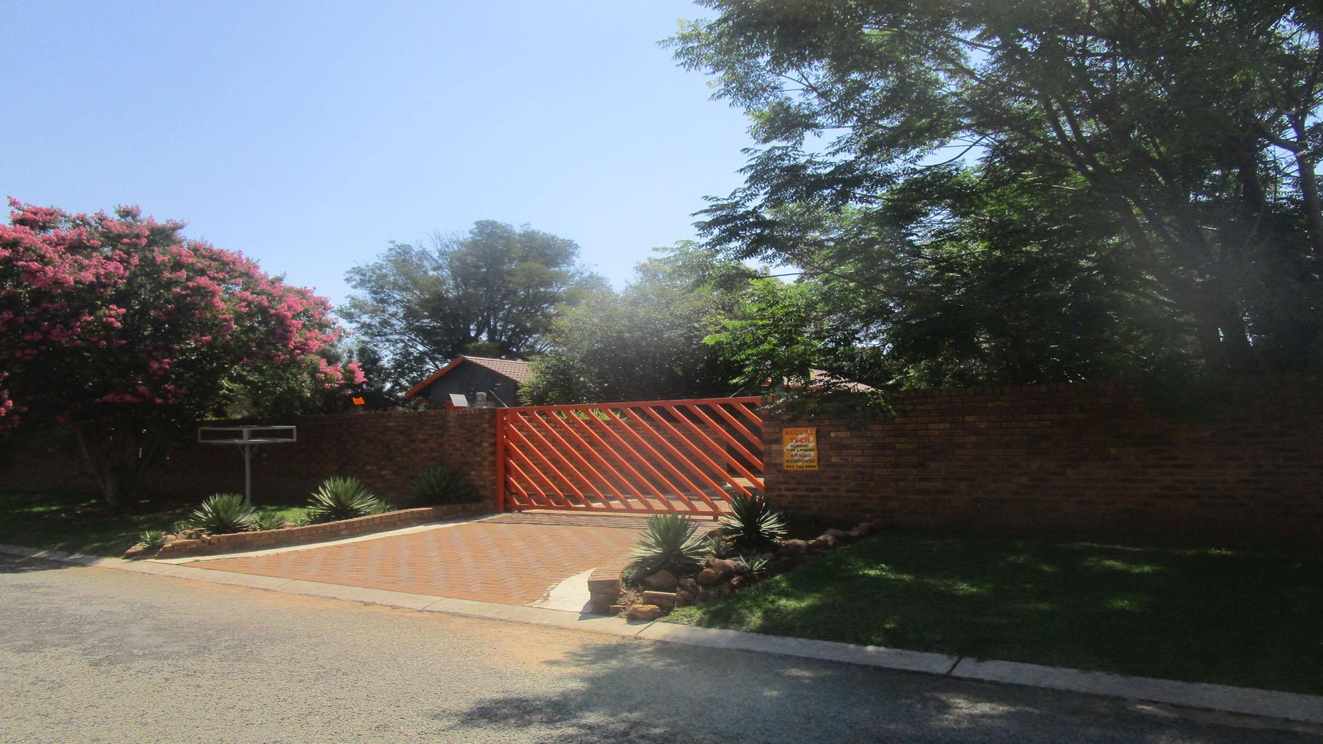 Front View of property in Brakpan