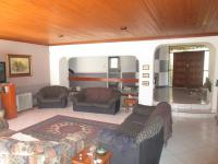 Lounges - 43 square meters of property in Oakdene