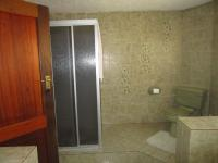 Bathroom 1 - 15 square meters of property in Oakdene