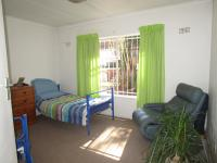 Bed Room 2 - 19 square meters of property in Oakdene