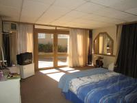 Main Bedroom - 65 square meters of property in Oakdene