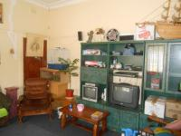 Lounges - 21 square meters of property in Roodepoort