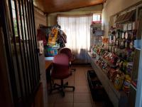 Rooms - 12 square meters of property in Roodepoort