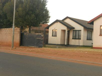 Standard Bank Repossessed 3 Bedroom House For Sale in Protea Glen - MR16478