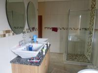 Main Bathroom - 11 square meters of property in Vanderbijlpark