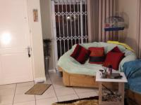 Lounges - 25 square meters of property in Sunningdale - CPT