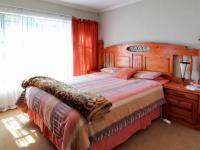 Main Bedroom - 15 square meters of property in Elarduspark