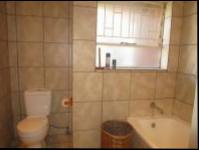 Bathroom 1 - 6 square meters of property in Randparkrif
