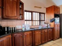 Kitchen - 43 square meters of property in Montana Park