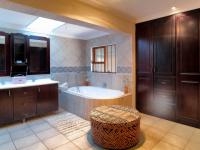 Main Bathroom - 21 square meters of property in Montana Park