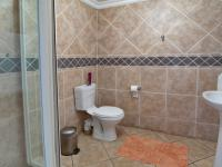 Bathroom 3+ - 47 square meters of property in Montana Park