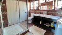 Bathroom 1 - 11 square meters of property in Montana Park