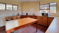 Kitchen - 31 square meters of property in Montana Park