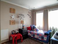 Bed Room 1 - 12 square meters of property in Mooikloof Ridge
