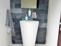 Guest Toilet - 6 square meters of property in Marina Beach